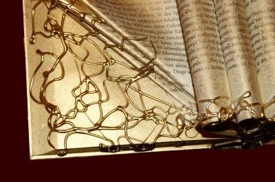 Darstellung eines alten, magischen Buches